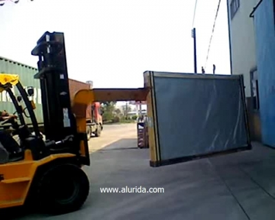Fork lift arm for glass crates